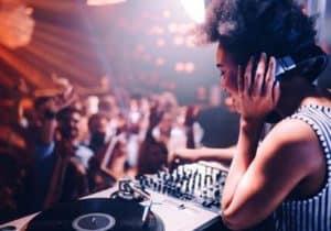 WeddingDJCentral: Female DJ